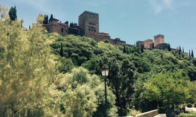 How to do a day trip to Granada-Travel Tales